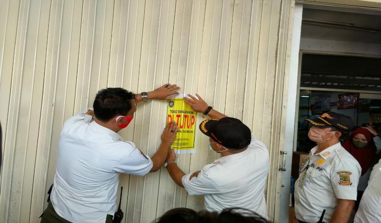 Tegas! Satpol PP Kota Mojokerto Tutup 23 Minimarket Tak Berizin