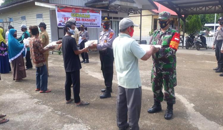 Terus Eksis Memberikan Bantuan Ditengah Pandemi, Koramil 0909-05/Muara Bengkal Lakukan Ini