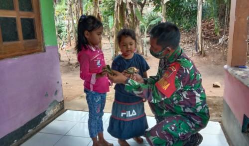 Kedekatan Dengan Anak-Anak Dilokasi TMMD