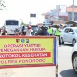 Ketika Puluhan Pelanggar Protokol Kesehatan Covid-19 di Ponorogo Didenda Rp 50 Ribu