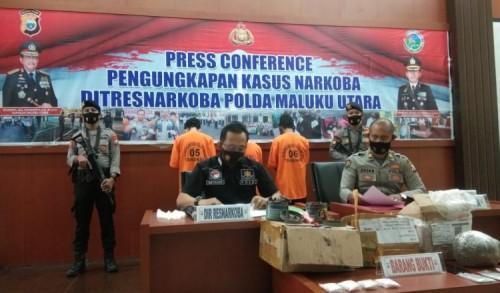 Jemput Ganja di Kantor Jasa Pengiriman, Pemuda di Tabona  Ditangkap Polisi