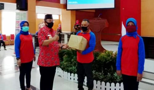 Ikut KB, Pria di Kota Blitar Dapat Reward Rp 1,6 Juta Dari Wali Kota