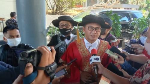 Pilkada Serentak Tetap Digelar, Prof Obi Pakar Ilmu Politik : kuncinya KPU Dan Banwaslu Buat Regulasi !
