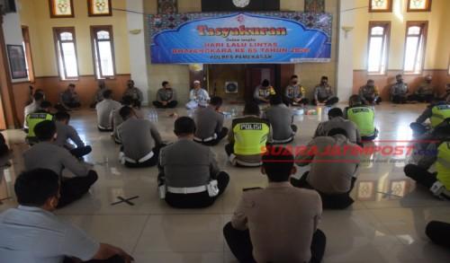 Hari Lalu Lintas Bhayangkara ke 65, Satlantas Polres Pamekasan Gelar Tasyakuran dan Do'a Bersama