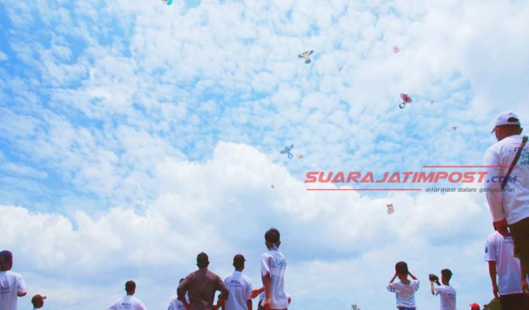 Tingkatkan Wisata, Pemkab Probolinggo Selenggarakan Festival Layangan Hias