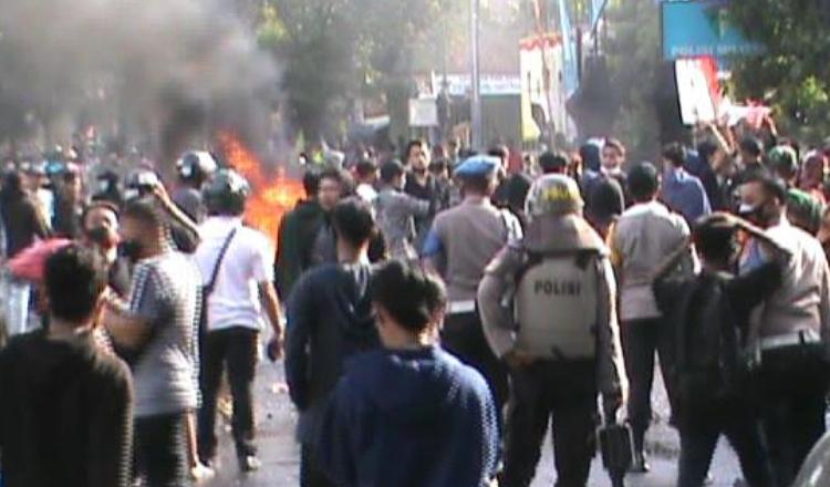 Demo Tolak Omnibus Law di Kota Pasuruan Kembali Ricuh