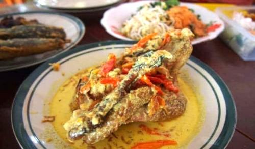 Nikmati Lodho Ayam Kampung Khas Trenggalek yang Kaya Gizi