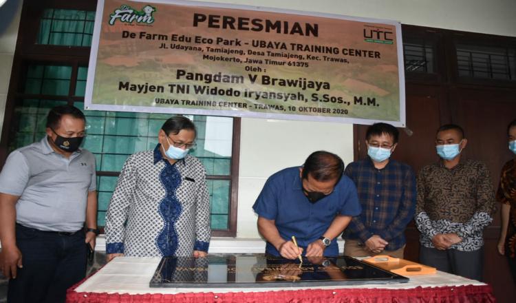 Danrem 082 Dampingi Pangdam Brawijaya Resmikan Objek Wisata Baru De Fam Edu Park di Mojokerto