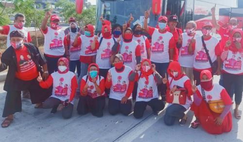 PDIP Surabaya Berangkatkan Kader Ziarah ke Makam Bung Karno