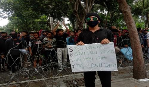 Berikut Deretan Poster Demo Mahasiswa di Banyuwangi yang Bikin Ketawa