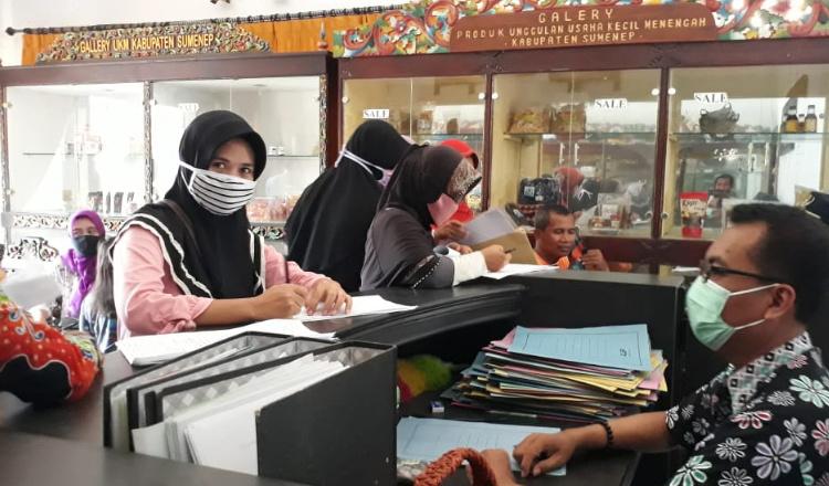 Berburu Banpres UMKM, Ribuan Pelaku Usaha Mendatangi Dinas ...