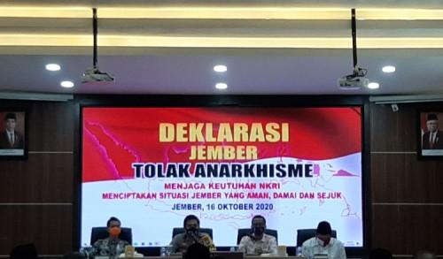 Jaga Keutuhan NKRI, Polres Jember Deklarasi Tolak Anarkisme