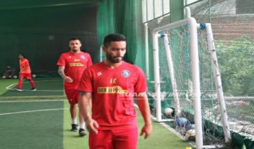Dua Pemain Asing Arema FC Diberi Porsi Latihan Tambahan