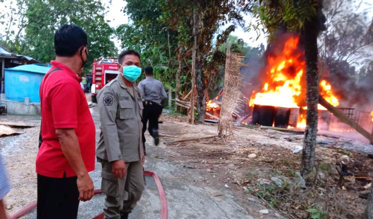 Gudang Pengolahan BBM dan Dua Rumah Warga di Tuban Ludes Dilalap Api