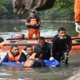 Jasad Remaja 14 Tahun yang Tenggelam di Sungai Kalimas Surabaya Berhasil Ditemukan
