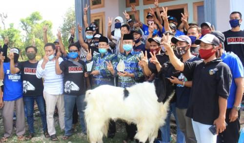 Sapa Peternak Kambing Etawa, Pasangan YESBRO Siap Kembangkan Potensi Peternakan di Lamongan
