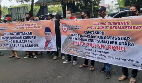 Geruduk DPRD Sumut, Pemuda Lira Desak KPK Kembali ke Sumut