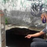 Tak Lazim,  Ada Rumah Amblas Mirip Sumur di Purworejo