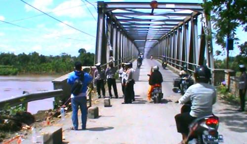 Jembatan Glendeng Ambrol, Jalur Penghubung Antara Tuban-Bojonegoro Ditutup
