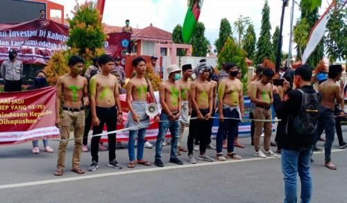 Tuntut Tambak Udang Ditutup, Puluhan Mahasiswa Demo Pemkab Sumenep