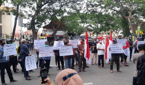 Aksi Damai Dukung Netralitas Bawaslu Ponorogo