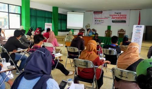 Pers Indonesia Jauh Tertinggal dari Luar Negeri