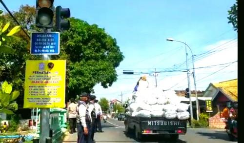 Rawan Kecelakaan, Simpang 4 Merakurak Tuban Dipasang Traffic Light