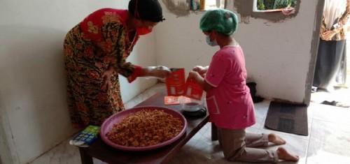 Bermodal Satu Juta, Gadis Asal Pasuruam Produksi Kripik Jamur Beromzet 10 Juta Perbulan