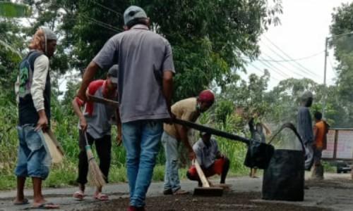 Perbaikan Jalan Rusak Tamanan Bondowoso Sampai di Desa Pejagan