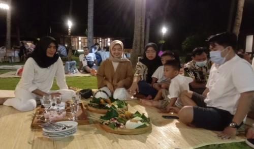 Villa So Long Banyuwangi Hadirkan Beach Front Dinner Tiap Malam Minggu, Pas untuk Keluarga