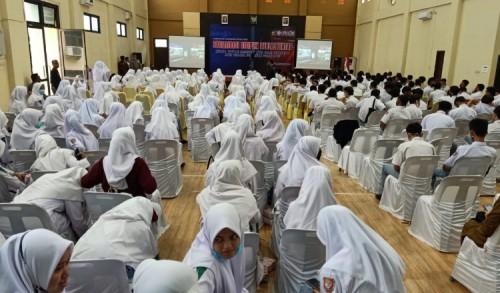 Siswa SMA Ikut Sosialisasi Disiplin Berlalu Lintas via Zoom Meeting dengan Dirlantas Polda Aceh