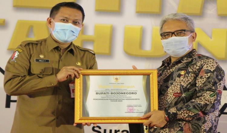 Bojonegoro Jadi Satu Kabupaten Penerima Dua Penghargaan Dari Kemenaker
