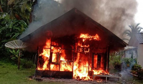 Rumah Warga Rambing Lob Ludes Terbakar
