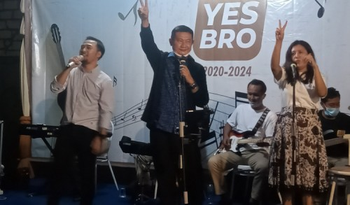 Widi Nugroho Yakin Yuhronur Efendi Mampu Orbitkan Musisi Profesional Dari Lamongan