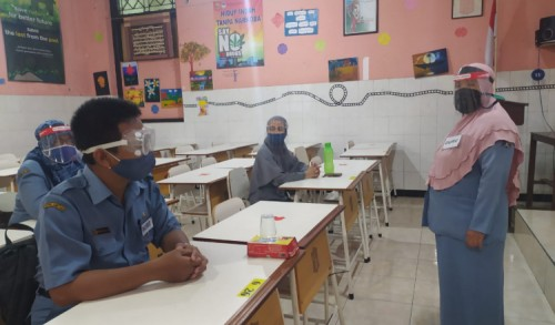 Hasil Tes Swab Siswa Positif, Pemkot Surabaya Bak Makan Buah Simalakama