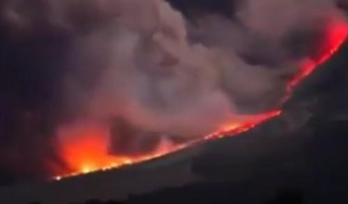 Gunung Semeru di Lumajang Meletus, Lahar Panas Mengalir ke Curah Kobokan Pronojiwo
