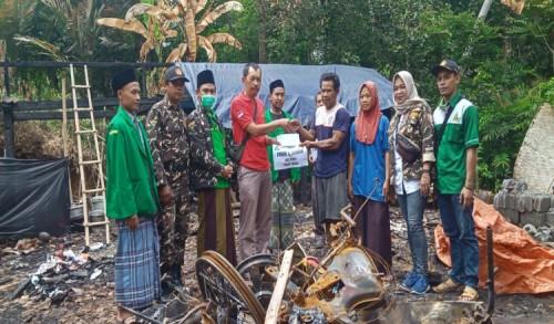 Ansor dan Banser Salurkan Bantuan untuk Korban Kebakaran di Purworejo