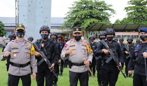 Kapolda Sumut Berangkatkan Dua Ratus Personil Brimob BKO ke Polda Metro Jaya