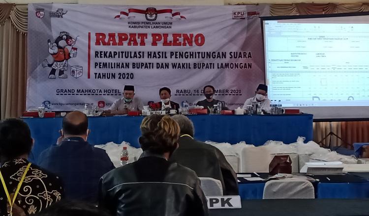Rapat Pleno Hasil Perhitungan Suara KPU Lamongan, Tetapkan YesBro Jadi Bupati dan Wakil Bupati Terpilih