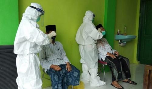 Proteksi Penularan Covid-19, Kiai NU Probolinggo Jalani Rapid Tes Antigen