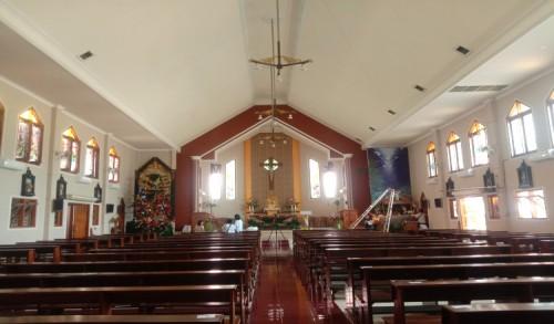 Melihat Persiapan Jelang Ibadah Natal di Gereja Maria Ratu Damai Banyuwangi