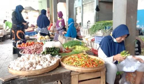 Harga Cabe Rawit Naik, Pedagang dan Pembeli di Lamongan Mengeluh