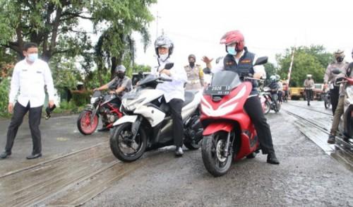 Jalan Nasional di Lamongan Rusak Parah, Wagub Jatim Turun Gunung Lakukan Peninjauan