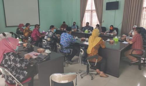 Hearing kelima Nakes Pukesmas Bandar Kendungmolyo dengan komisi D DPRD kabupaten Jombang berjalan buntu.