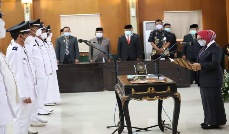 9 Kepala Desa terpilih di kabupaten Jombang resmi dilantik Bupati