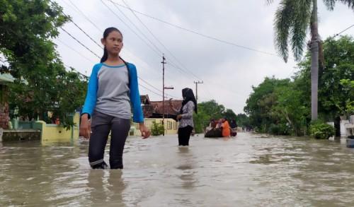 12 Hari Terendam Banjir, Warga Jombok Kesamben Jombang, Mulai Alami Gatal-Gatal