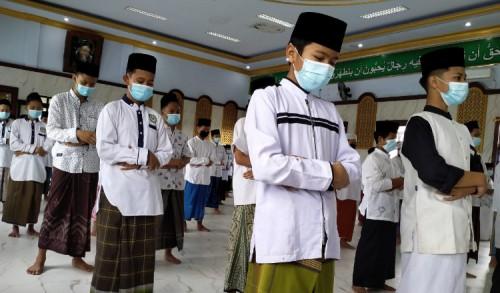 Pesantren Al-Aqobah Diwek Jombang Laksanakan Salat Gaib untuk Syekh Ali Jaber