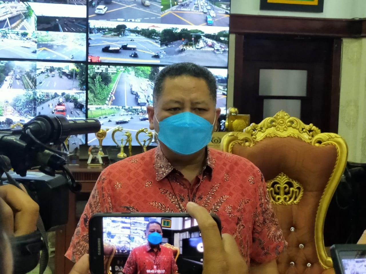Proses Vaksinasi di Surabaya, Pemkot Siapkan 2 Ambulance Antisipasi Hal yang Tak Diinginkan