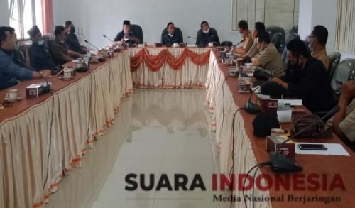 Perwakilan 171 Kades ke DPRD Bondowoso, Minta Komisi IV Dorong Pemkab Perjelas Pelaksanaan Pilkades