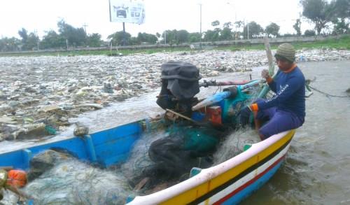 Pantai di Tuban Penuh Sampah, DLH: Itu Kewenangan PRKP